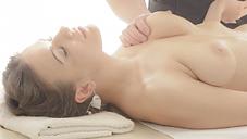 ���̲����3��ָ����ۿ����ǹ��Υޥå������ƥ��˥å��Ǥ���Ƥʤ��פ��ޤ���Oil Massage Salon Today`s Guest Ms.LAINA